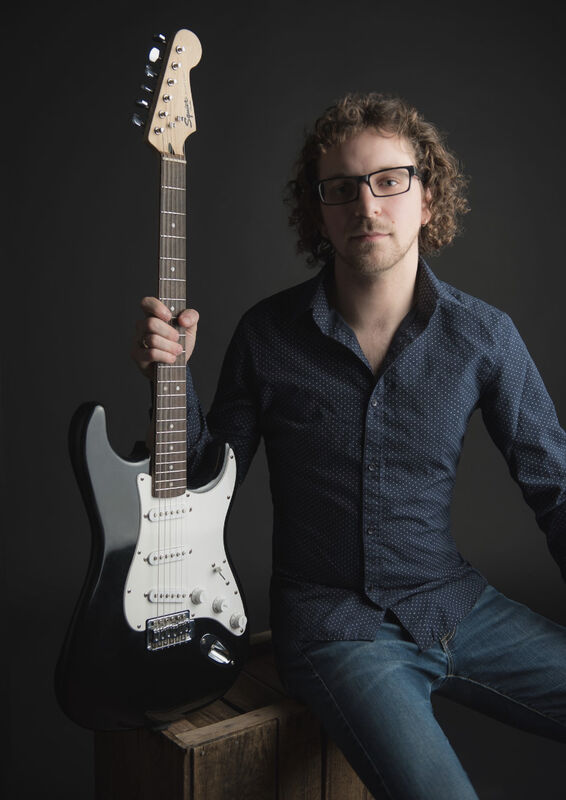 Spring Term 2021: PRIVATE LESSON WITH SCOTT NEARY - Voice, Intermediate Piano or Bass Guitar (30 minute and 45 minute lessons available )