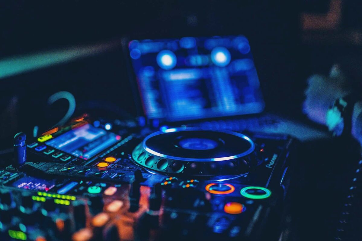 DJ Sound Mixing Level 1 & 2 INSTRUMENT RENTAL AVAILABLE